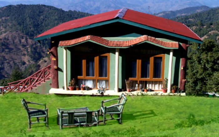 One of the cottages of Tarika's Jungle Retreat at the edge of a mountain in Chail