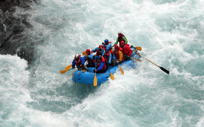 People river rafting in Rishikesh