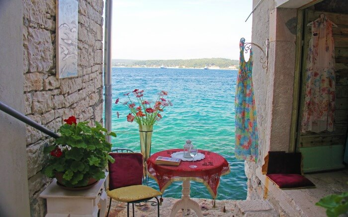 Sitting arrangement for two in Rovinj