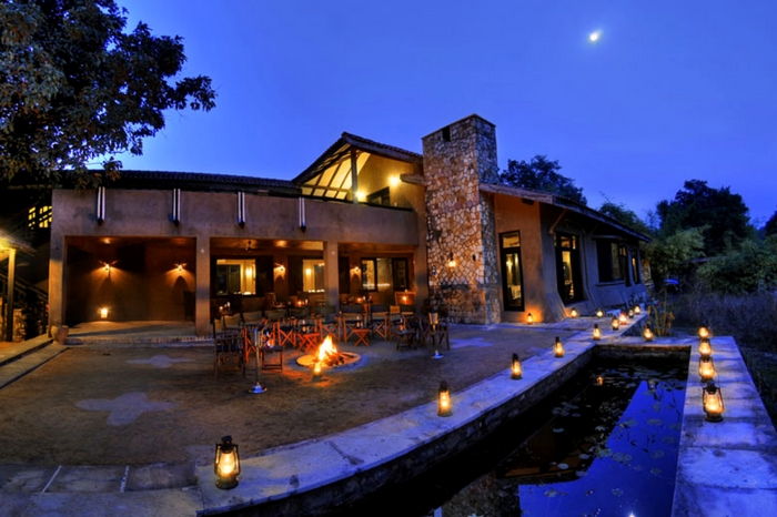 Grand view of Kings Lodge in Bandhavgarh