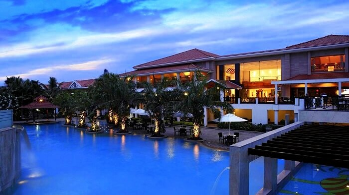 palm meadows in bangalore for romantic vacation