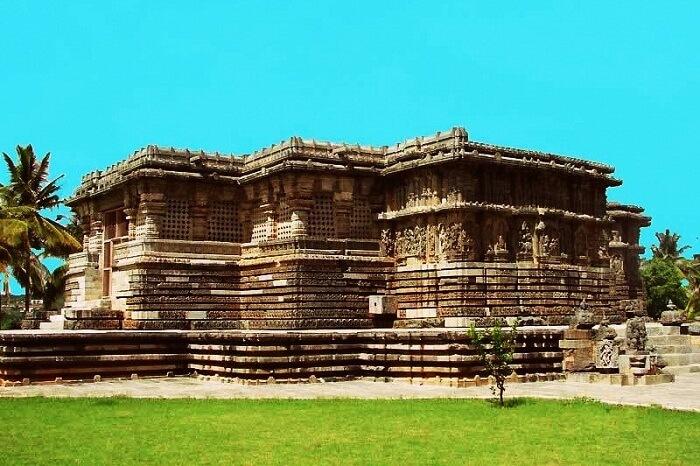 Temples in Halebidu