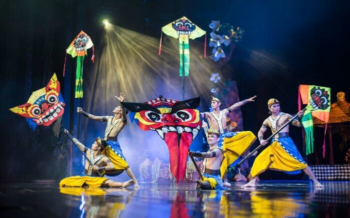 A colourful stage performance of Balinese artists