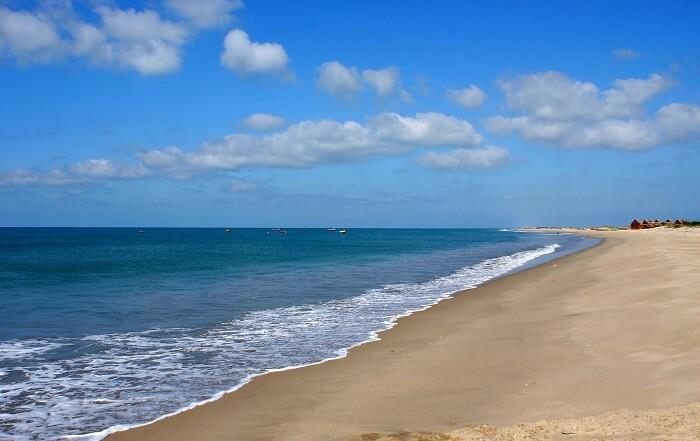 beach in dhanushkodi