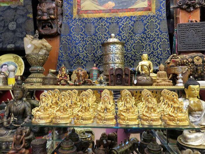 monali shopping in bhutan