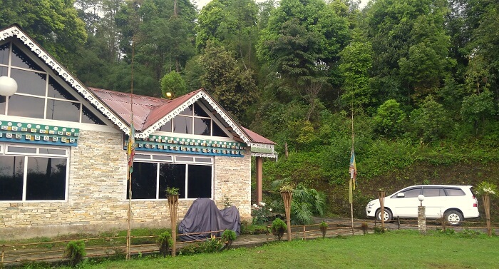 resorts in pelling