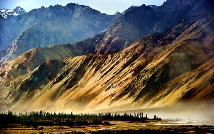 Magnificent mountain views in Dras in Kargil