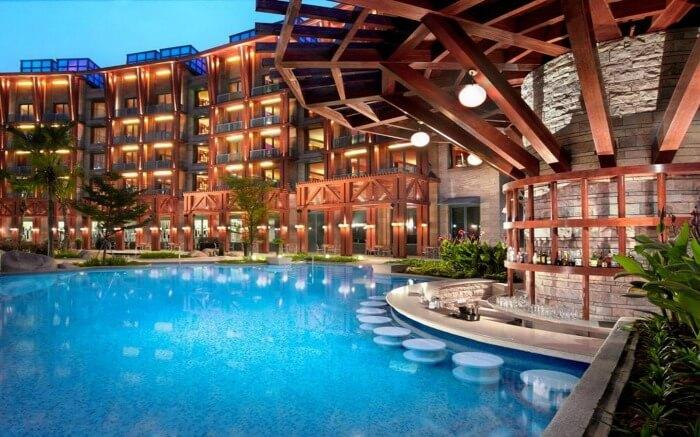 Pool in Hard Rock Hotel Singapore