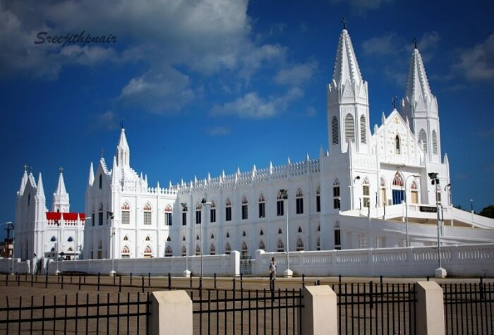 famous church in velankanni