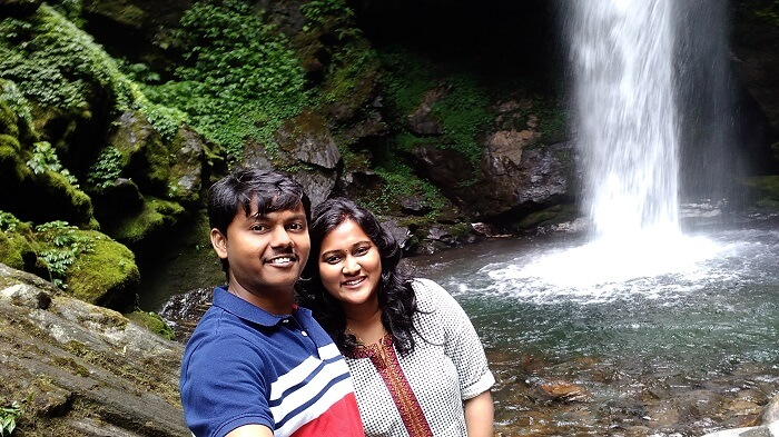couple at kanchenjunga falls pelling