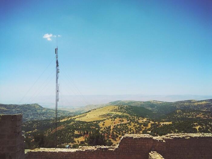 Asjlou castle view