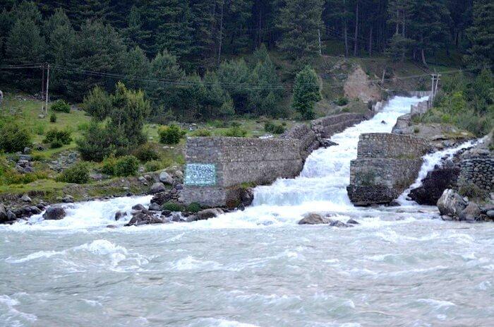 River flowin Pahalgam