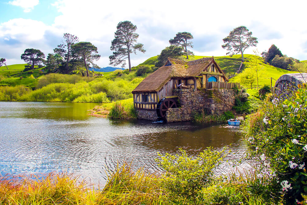 The beautiful Hobbiton in New Zealand