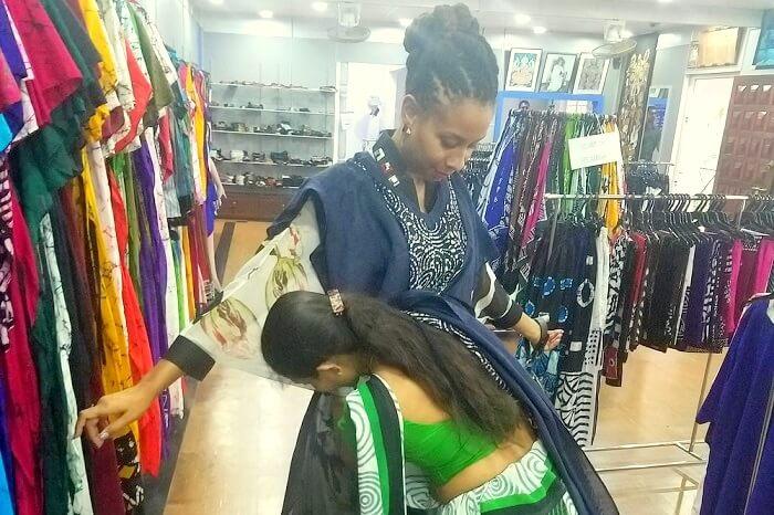 tradition dress in Sri Lanka
