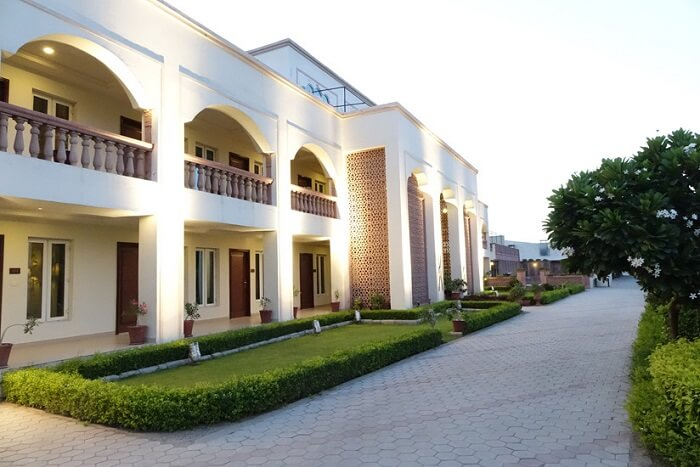 Amargarh Resort by TGS entrance