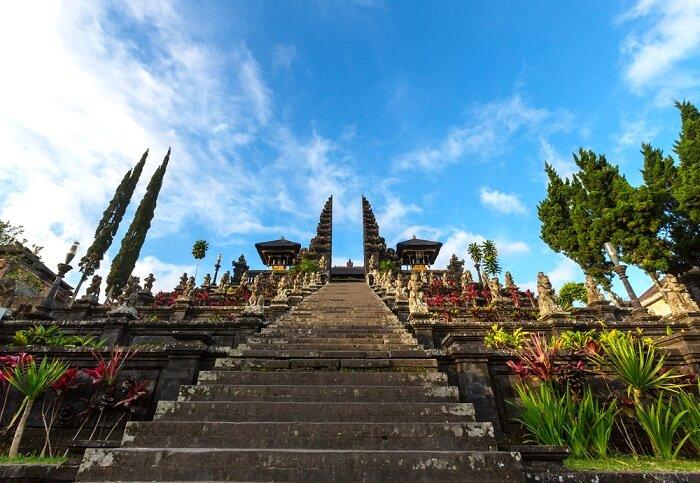 entrance of besakih temple bali