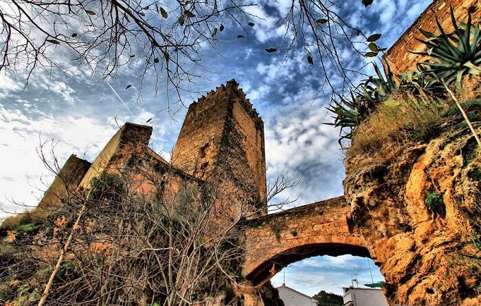 visit Castillo De Buñol in bunol