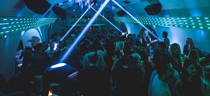 best night clubs in santorini