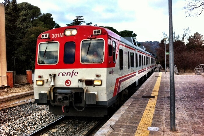 ride the valencia train to bunol
