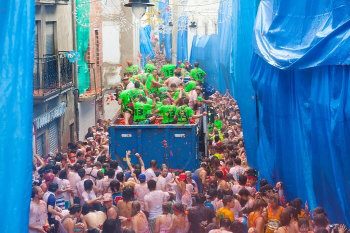 tomatina lorries making their way through bunol