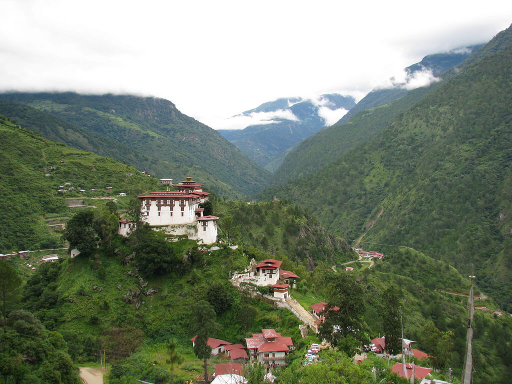 beautiful monasteries in the misty mountain