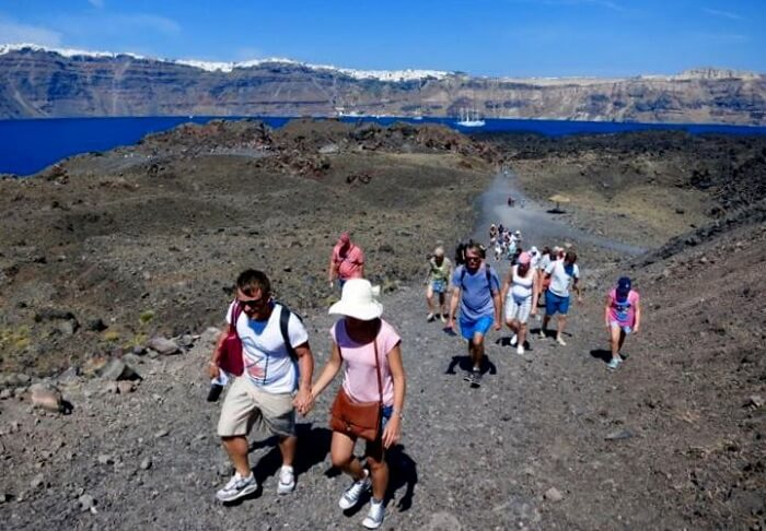 volcano tour in santorini