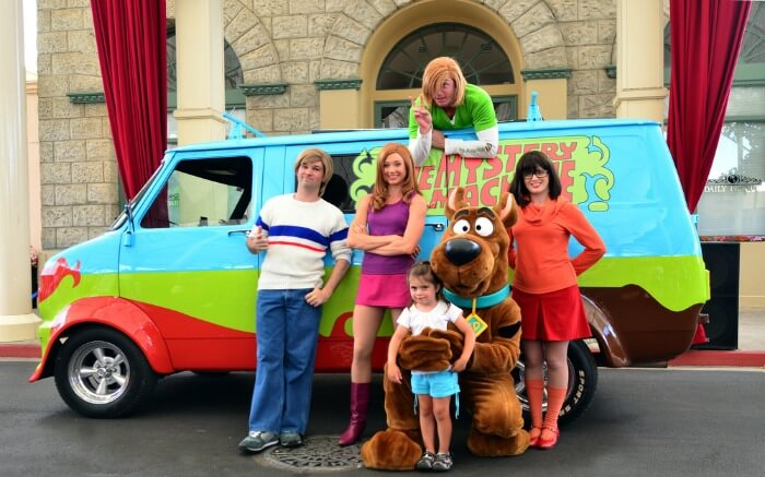 Scooby doo characters in Warner Bros Movie World park