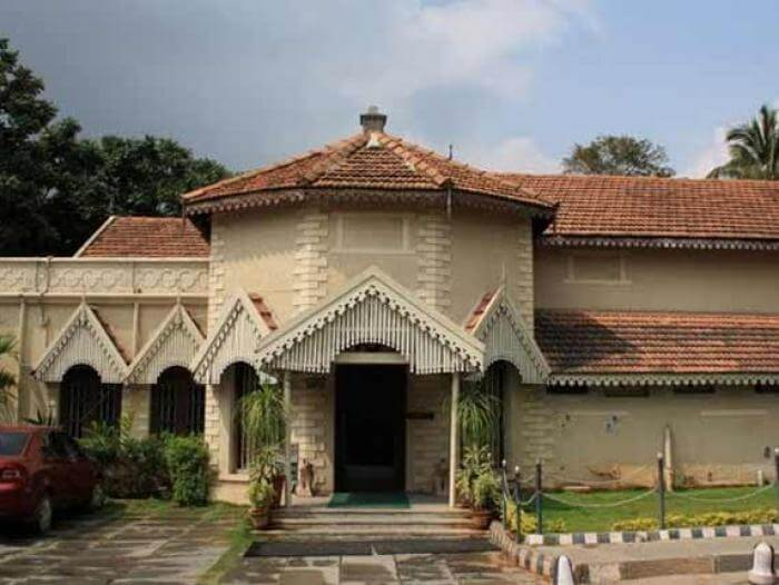 Front view of a heritage resort in Kodaikanal