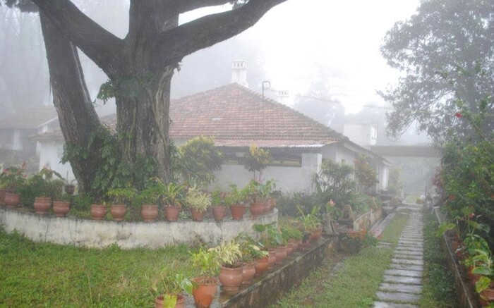 A view of Carlton House Homestay from the garden near in Yercaud in Tamil Nadu