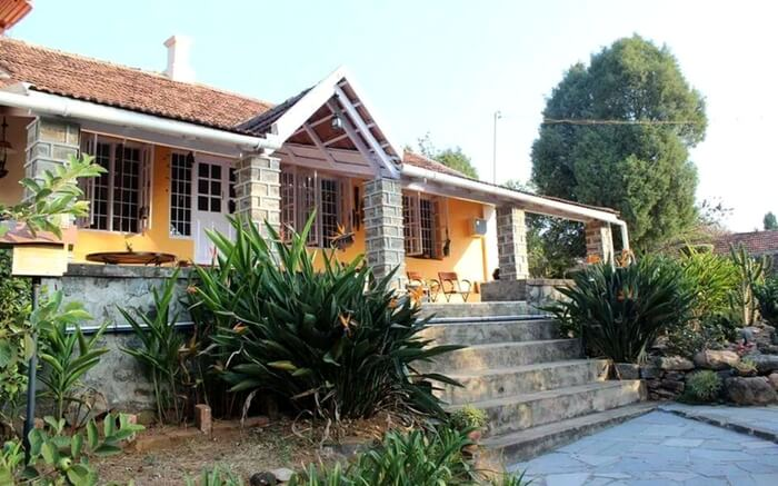 Front view of Windermere Homestay in Yercaud