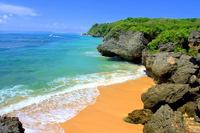 explore hidden beach of geger