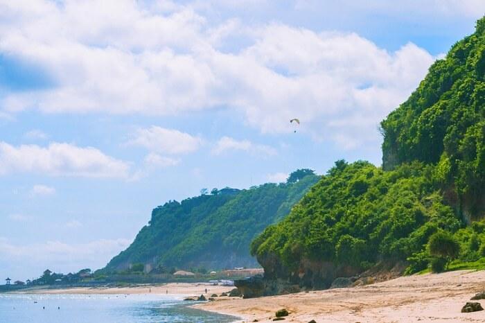 see pandawa statues in pandawa beach