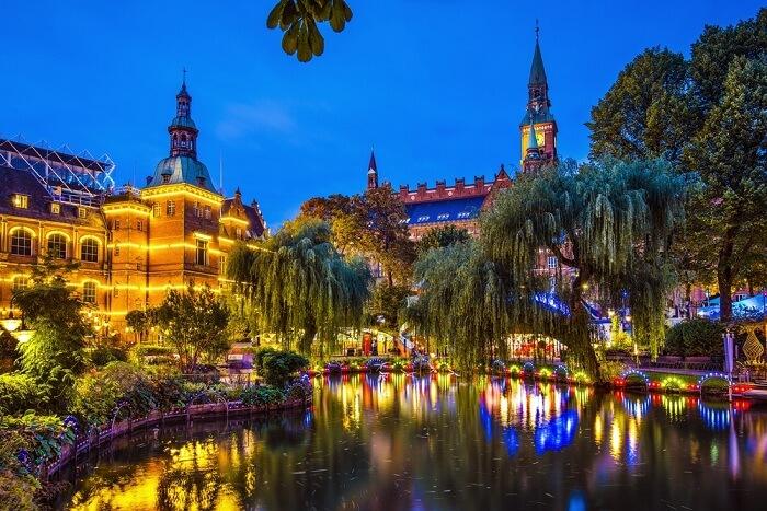 A night shot of Denmark gardens and City Hall at Copenhagen