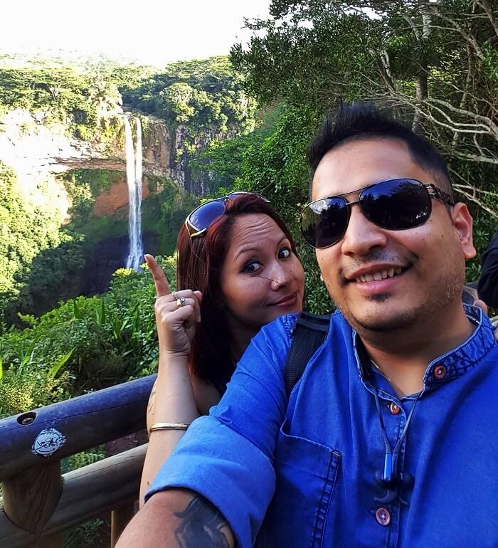 couple at Ganga Talao, Mauritius