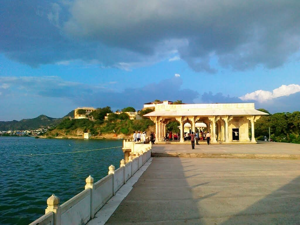 Ana Sagar Lake in Ajmer