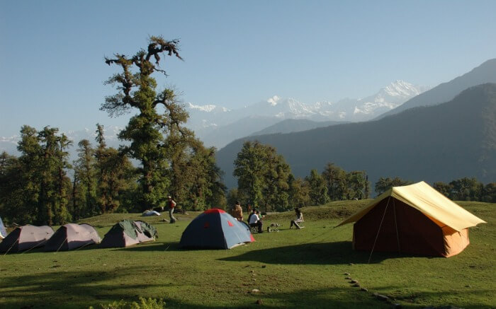 Camps lined up at the campsite in Chopta