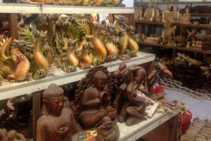 nirav & his wife shopping in Bali