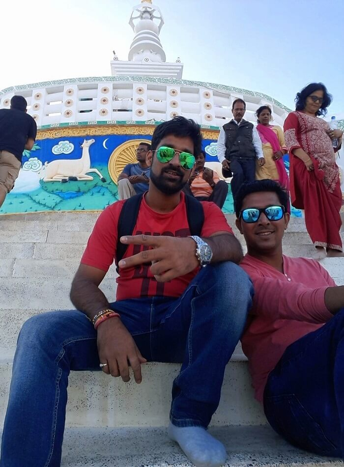 ninad and friend outside gurudwara