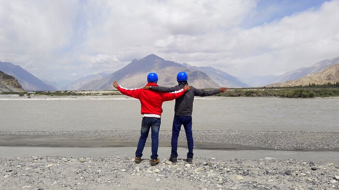 ninad at nubra valley with friends