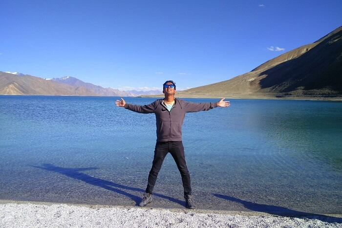 ninad posing at pangong lake
