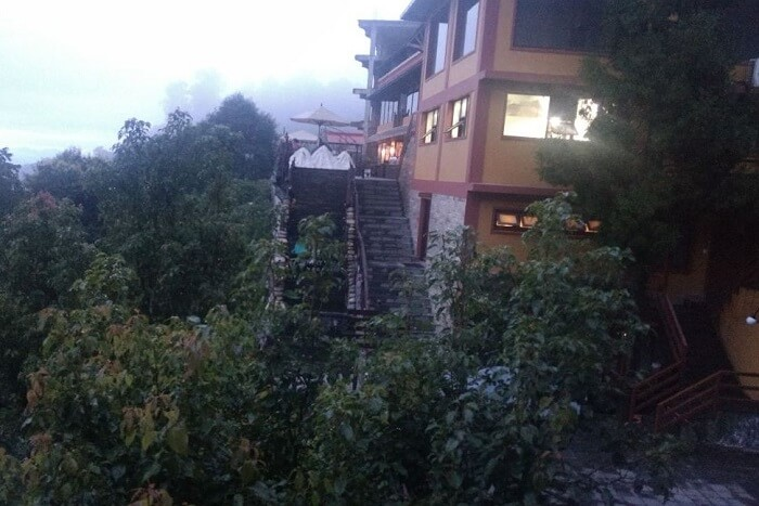 entry of shangri la hotel in nepal