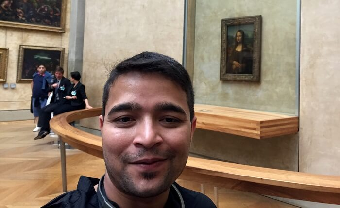 mona lisa painting museum paris