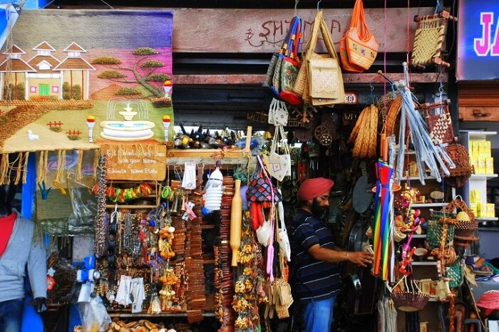 go shopping at Lakkar Bazaar