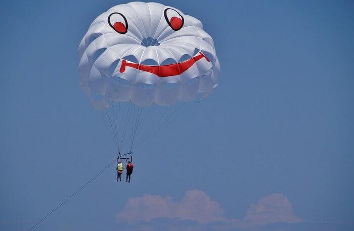 Parasailing and Paragliding