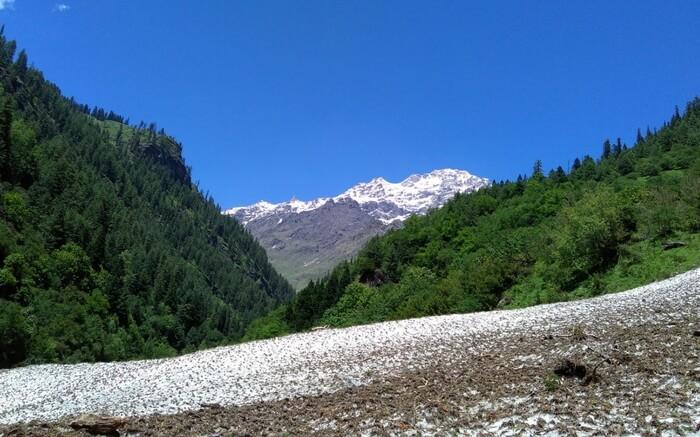 acj-1909-treks-near-kasol-kutla-glacier