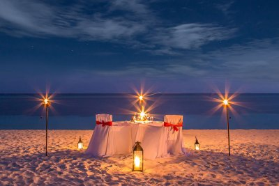 have a romantic dinner date in pondicherry on the beach