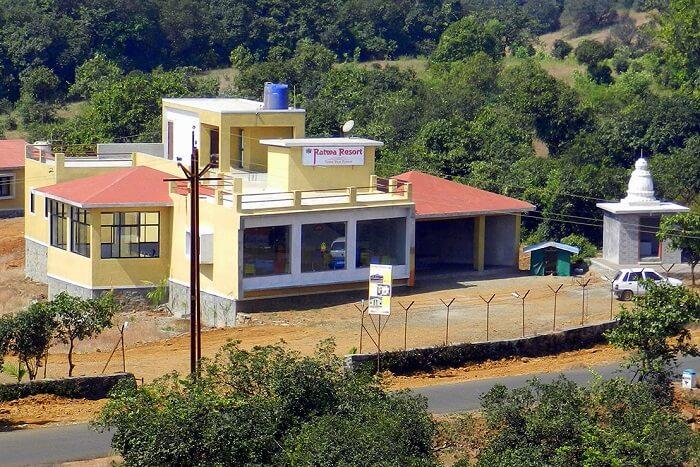 stay at the budget ratwa resort in bhimashankar