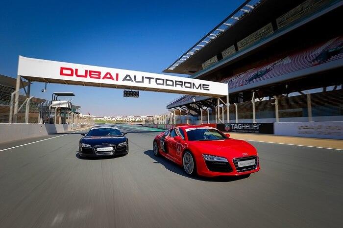 Racing at Dubai Autodrome