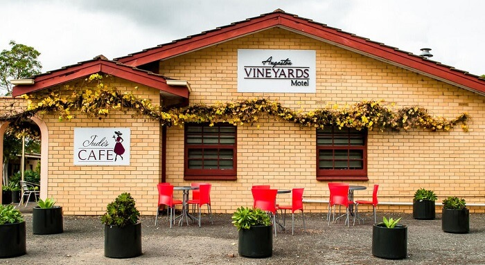 Angaston Vineyards Motel in barossa valley