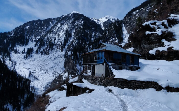 A stay in the mountains near Manali in Himachal